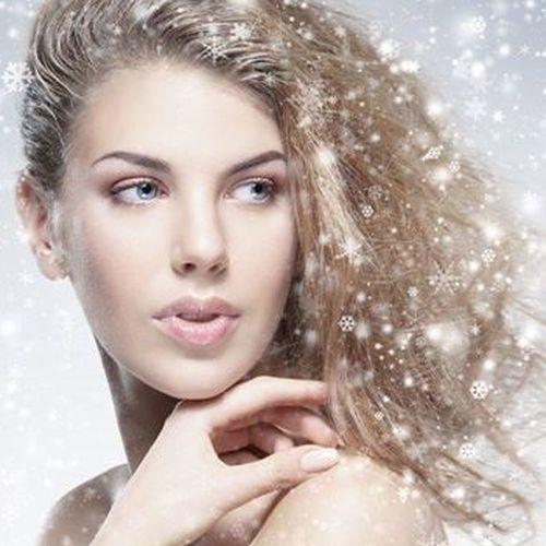 e8788b1ef29 Chcete mít krásné a silné vlasy i v zimě  Máme 3 zaručené tipy ...