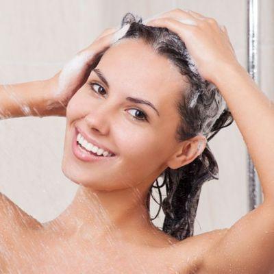 mytí vlasů - šampon